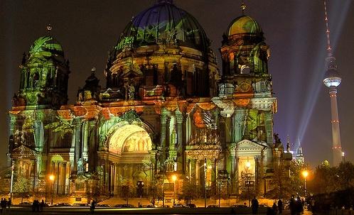Festival of Lights 2011 in Berlin flickr (c) AnBerlin CC-Lizenz