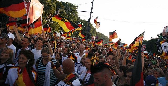 Fanmeile Berlin flickr (c) jutefrage CC-Lizenz